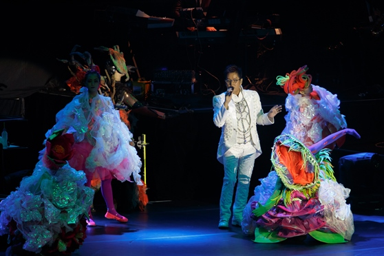 Alan Tam  Lays Charms on Fans Once Again at The Venetian Macao